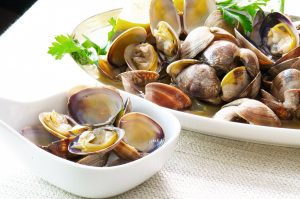 sake steamed clams closeup