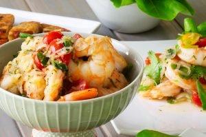 thai shrimp salad feature