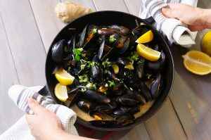 miso ginger mussels feature