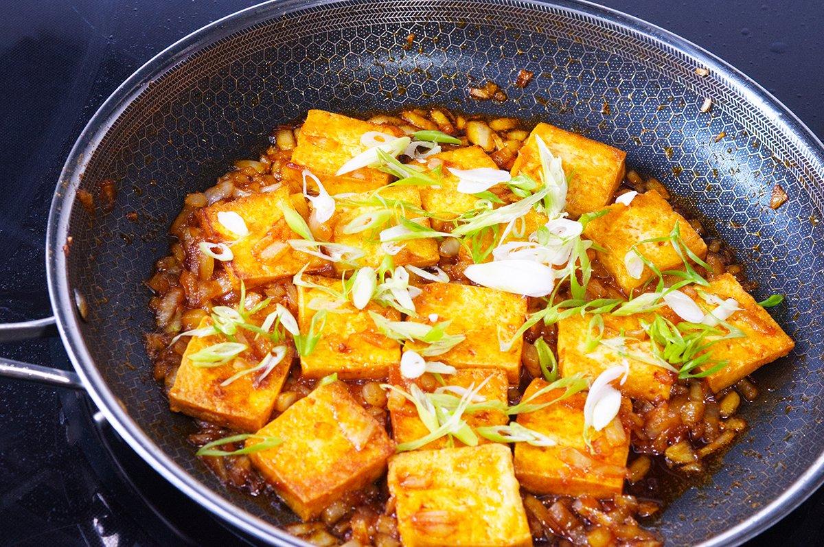 scallions sriracha tofu