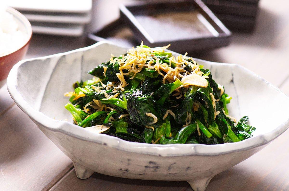 beauty stir fried pea shoots
